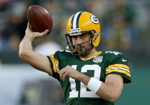 Aaron Rodgers Led The Packers To An Amazing Comeback Win Over The Bears On One Leg