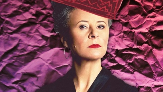 Tracey Ullman Tells Us Why She Would Rather Spend Time Hanging With Her Dog Than Use Social Media
