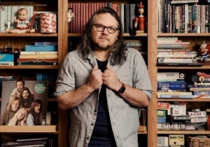 Wilco Frontman Jeff Tweedy Is Hitting The Road For A Book Tour This Fall