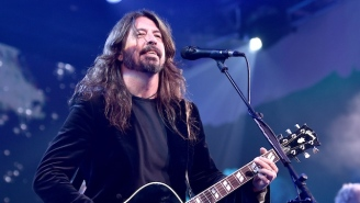 Good Guy Dave Grohl Brings A Young Blind Fan On Stage During A Foo Fighters Show