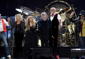 Fleetwood Mac's One-Sentence Response To Lindsey Buckingham's Lawsuit Is Savage