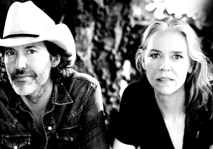 How Gillian Welch Became The Standard-Bearer For Traditional Folk In The 21st Century