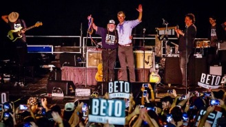 Willie Nelson Staged A Massive, Outdoor Concert In Austin, Texas To Support Beto O'Rourke