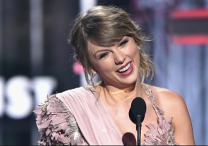 Conservative Talking Heads Warn Taylor Swift To 'Stay Away From Politics' After Her Instagram Post Endorsing Democrats