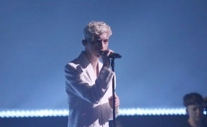 Troye Sivan Returned To 'The Tonight Show' Stage For An Ethereal Performance Of 'Revelation'