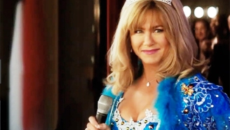 Jennifer Aniston Turns Up The Southern-Fried Pageant Mom Vibes In Netflix's 'Dumplin' Trailer