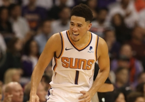 Devin Booker Beat The Grizzlies With A Game-Winning Jumper