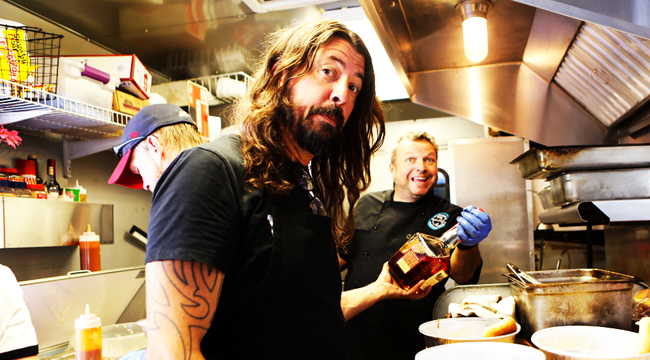 Dave Grohl's Food Passion Turned Him Into An Amazing BBQ Pit Master