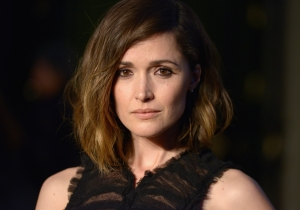 Yes, Rose Byrne Also Thinks It's A Little Weird She's In 'Attack Of The Clones'