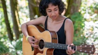 Watch Haley Heynderickx's Gorgeous, Acoustic Version Of 'Jo' At Pickathon 2018