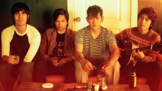The Tracks Capture Rock's Rebellious Spirit On Their Fiery Debut, 'Treasured Memories'
