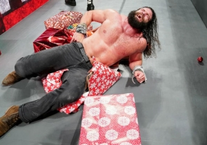 Guess How WWE Raw's Ratings Did On Christmas Eve