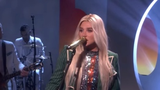Kesha Gave An Anthemic Performance Of 'Here Comes The Change' On 'Ellen'