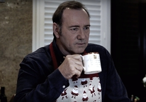 Kevin Spacey Released A Bizarre Video Of Himself As Frank Underwood On Christmas Eve