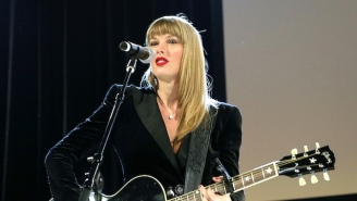Taylor Swift Made A Surprise Appearance At Jack Antonoff's Benefit To Perform 'Delicate' Acoustic