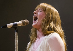 Watch Florence And The Machine Debut An Anthemic New Song, 'Moderation,' Live In Perth
