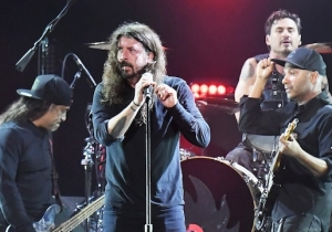 Dave Grohl Joined Audioslave And Performed With Foo Fighters At The Chris Cornell Tribute Concert