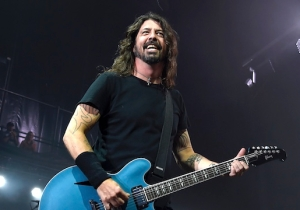 Dave Grohl Fell Off The Stage At Foo Fighters' First Show Of 2019 And Didn't Break His Leg This Time