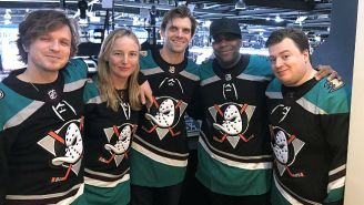 Keenan Thompson And The Cast Of 'Mighty Ducks' Reunited At A Real Ducks-Islanders Game