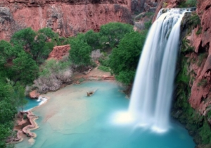 Havasu Falls Has Banned Tour Guides — Here's How To Get There In 2019