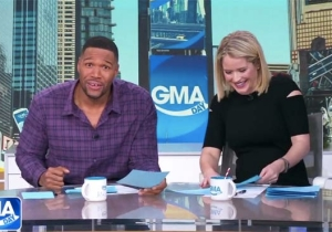 Michael Strahan Has Offered To Treat The Clemson Tigers To A Fancier Dinner After Trump's 'Hamberder' Feast