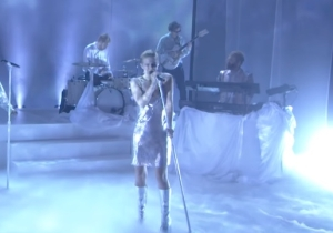 Robyn Turned The 'Ellen' Stage Into An Icy Dance Floor With Her Performance Of 'Ever Again'