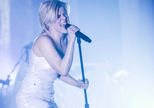 Robyn's New York City Concert Sparked An Impromptu Subway Dance Party