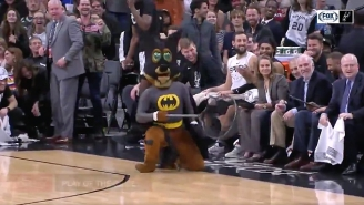 San Antonio's Mascot Heroically Caught A Bat That Interrupted Spurs-Pelicans