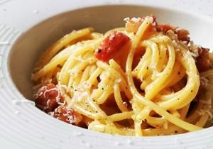 Like Italian Food? It's Time You Learned To Make Carbonara