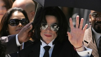 Posters Supporting Michael Jackson's Innocence Are Being Taken Off London Buses