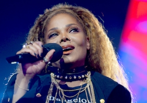 Janet Jackson Pulled A Fast One And Edited The Glastonbury Poster To Put Her Name First