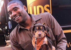 A New Orleans UPS Driver Posts Instagram Photos With The Dogs On His Route, And It's Freakin' Adorable