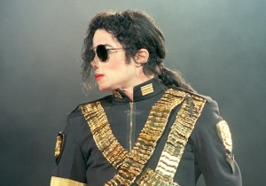 MTV Is Reportedly Considering Removing Michael Jackson's Name From Their Video Vanguard Award