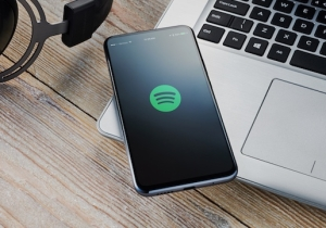 Spotify Subscribers Can Now Get Hulu For Free