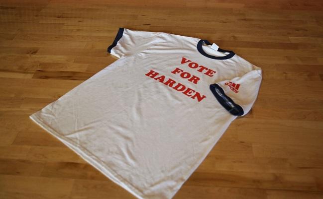 sale retailer 2c6e7 6ab89 Rockets Unveil 'Napoleon Dynamite' Style 'Vote For James ...
