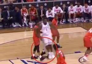 Syracuse's Frank Howard Appeared To Try To Trip Zion Williamson During Their ACC Tournament Game