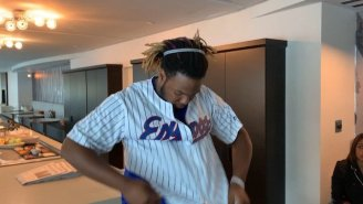 Vladimir Guerrero Jr. Arrived In Toronto Wearing His Dad's Expos Jersey Ahead Of His MLB Debut