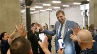 Dirk Nowitzki Was Greeted By Hundreds Of Stadium Employees Before Potentially His Final Home Game