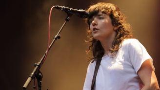 Courtney Barnett Released A Confessional New B-Side, 'Everybody Here Hates You'