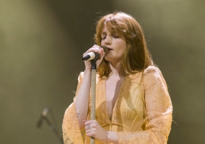 Florence And The Machine Debuted A New Song, 'Jenny Of Oldstones,' On Last Night's 'Game Of Thrones'