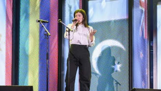 Lorde Performed 'Team' And A Simon And Garfunkel Cover At A Christchurch Benefit Concert