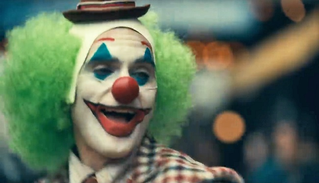 Joaquin Phoenix Didn T Channel Any Past Jokers To Play The
