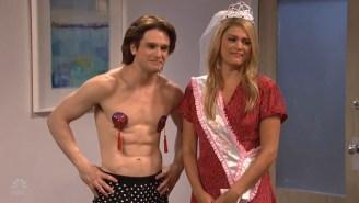 Kit Harington Did A Striptease In A Burlesque Dress On 'SNL'