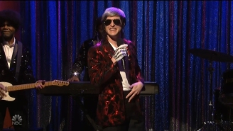 Kit Harington Played A Frank Sinatra Impersonator Who's Actually A Michael Jackson Impersonator On 'SNL'