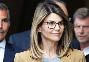 Lori Loughlin Reportedly Regrets 'Smiling So Much' During Her Infamous Court Entrance