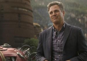 Mark Ruffalo Posted A Bizarre 'Avengers' Set Photo And Got Some Amusing Responses