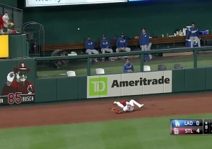 A Cardinals Outfielder Allowed The Worst Ground Rule Double Ever Against The Dodgers
