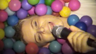 Robyn Parties In Ibiza In Her Casual, DIY-Style 'Between The Lines' Video