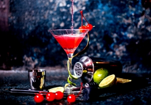 Bartenders Tell Us The Best Vodkas To Mix Into A Cosmopolitan (For National Cosmo Day)