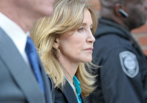 Felicity Huffman Is Set To Plead Guilty In The College Admissions Scheme And Could Serve Up To 20 Years